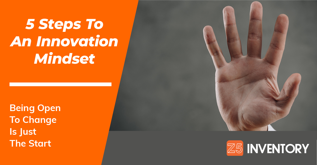 A hand holds up five fingers to indicate the steps you should take to adopt an innovation mindset.